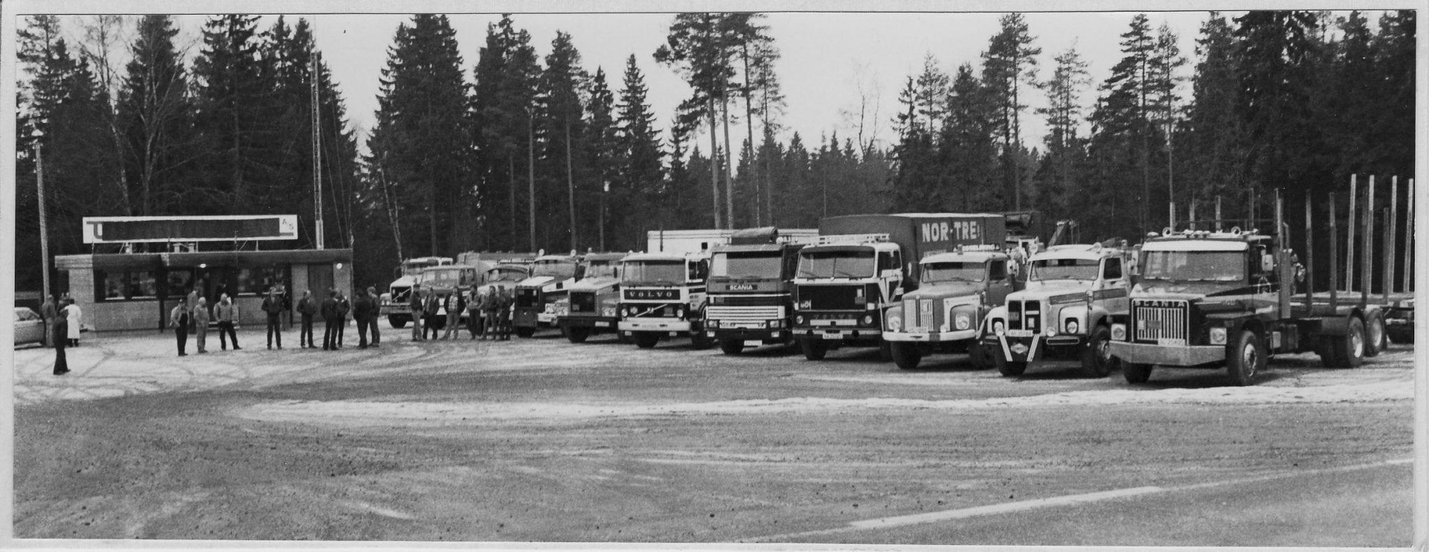 1982 oversiktsbilde over biler